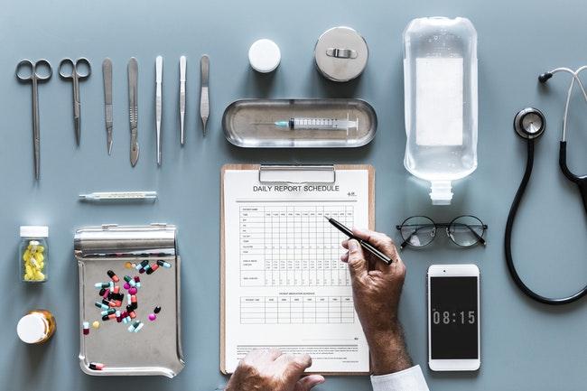 Kontakt z lekarzem przez aplikację? Takie rozwiązanie proponuje pacjentom angielska służba zdrowia