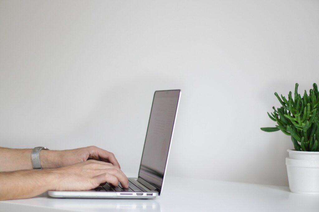 Powody, dla których randki internetowe są szkodliwe